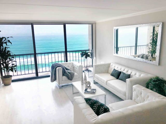 Oceanfront Luxurious San Diego, voted #1 SD Rental