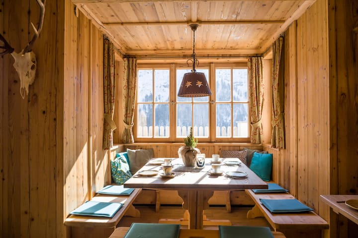 Hidden Alpine Lodge in the heart of the Alps