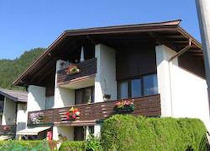 Schmitten View - Kaprun - Hytte (i sveitsisk stil)