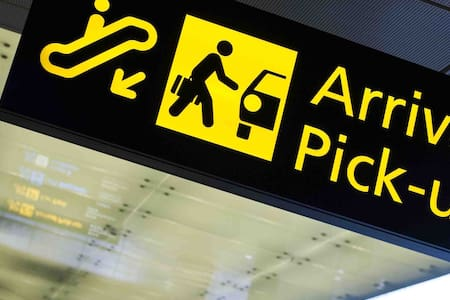 24/7 airport pick up & drop off services