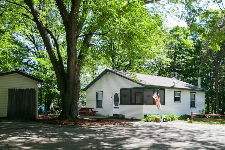 Goshorn Lake Cottage #25