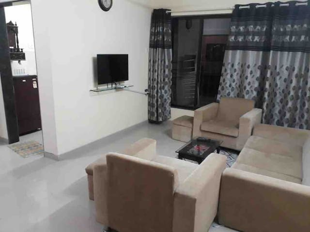 Full 1 Bedroom Apartment in Powai