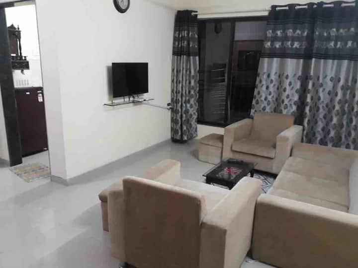 Full 1 Bedroom Apartment in Powai