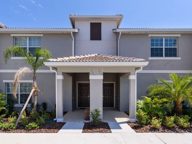 NEW VACATION HOME AT STOREY LAKE(4SYT48BR10) - KISSIMMEE - House