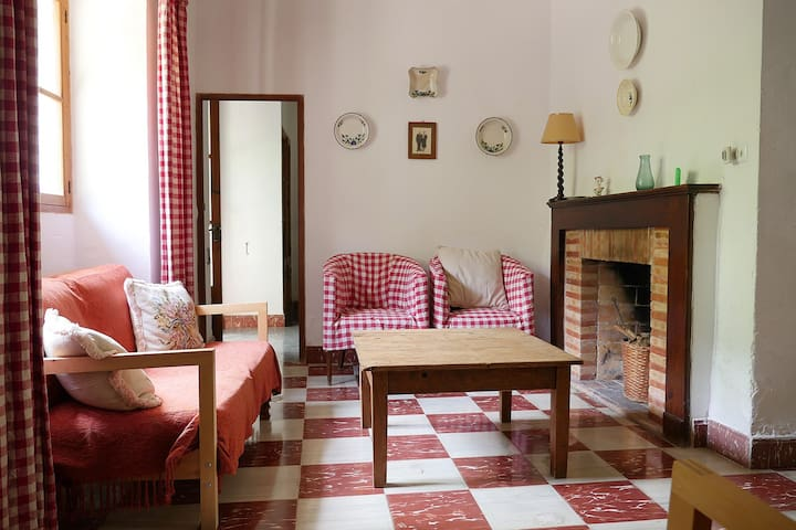 Casa de pueblo con jardín en Deià - Deià - House