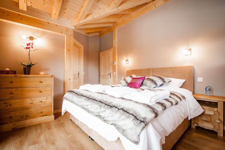 Room 3, double plus single or 3 singles