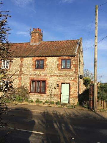 Samphire Cottage,Docking, N Norfolk - Docking - Maison
