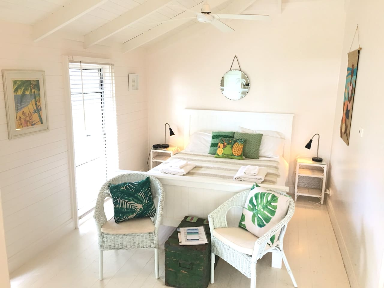 All white & airy with a tropical feel, the Porch Room @ Huskisson B&B has it's own private entrance.