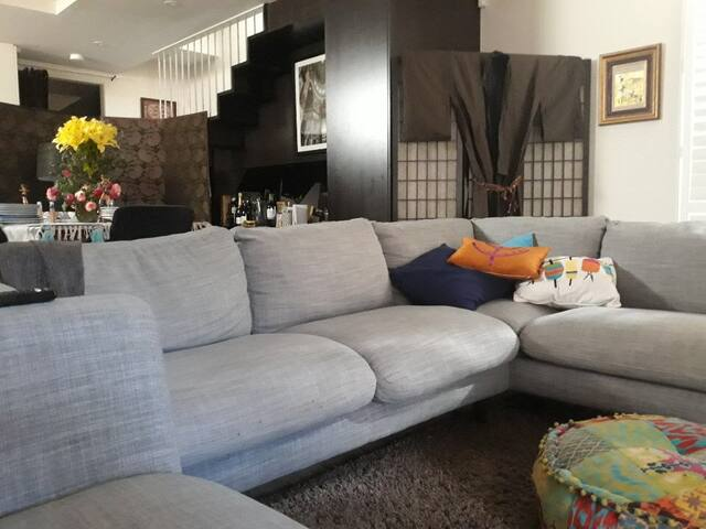 Secluded Townhouse in apartment complex with patio