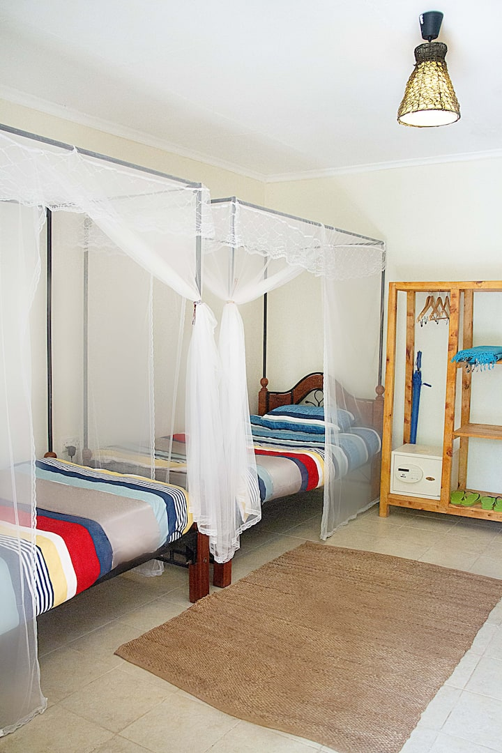 Evergreen Plains Farm Garden Room 10