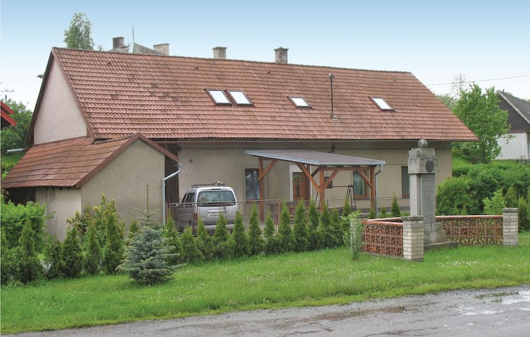 Holiday cottage with 3 bedrooms on 93 m² in Uhrinovice