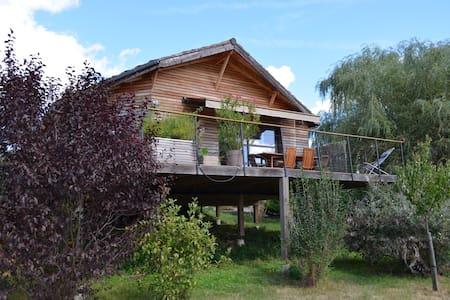 Maison en bois neuve près Dordogne - Huis