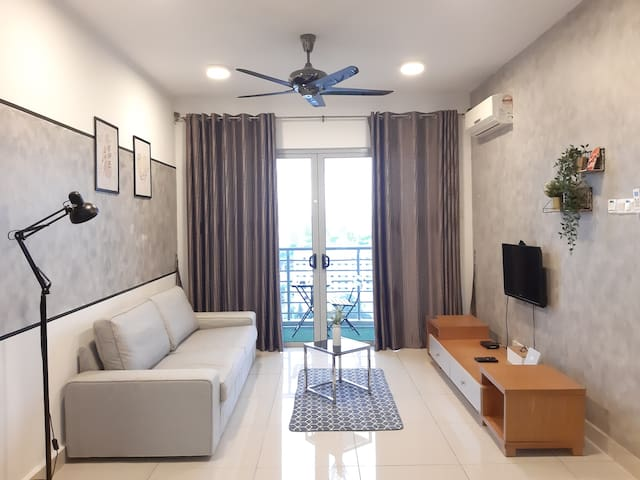 Cozy 3BR Family Suite Flora One South WiFi TvBox