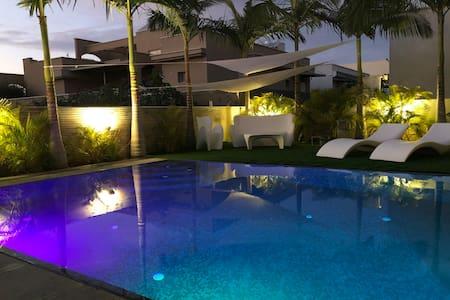 Villa 10 pers bord de mer avec piscine