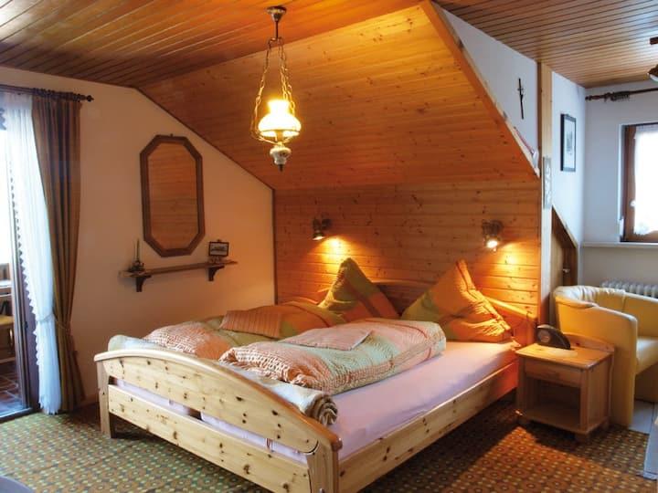 Haus Bernhardt-Fromm, (St. Blasien), Doppelzimmer Nr. 3 mit Etagen-WC und Fließwasser
