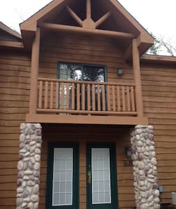 2BR Villa Near Starved Rock & Matthiessen Park - North Utica