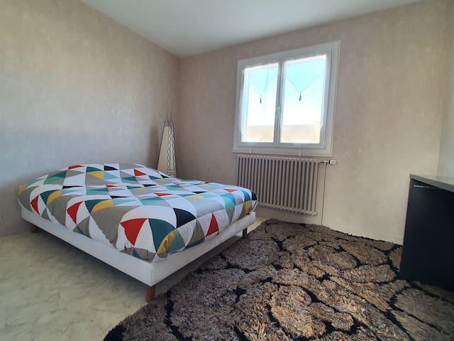 Chambre (maison propre et desinfectée)