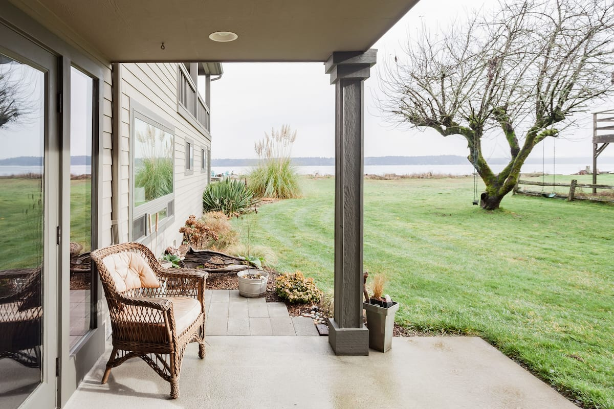 Treasured Waterfront Apartment on Vashon Island