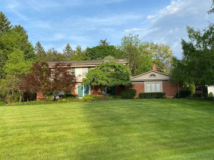 Bloomfield Hills 4 bedroom home