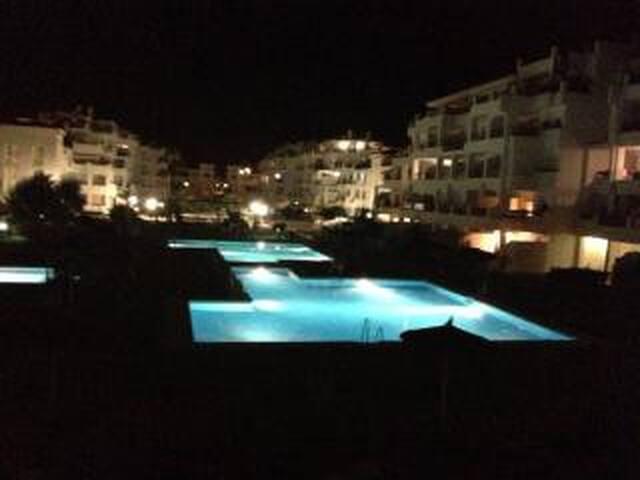 Beautiful apartment, close to sea, pool, tennis.