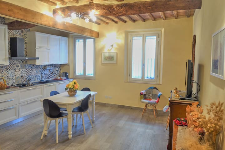 Casa con vista unica sulla contrada