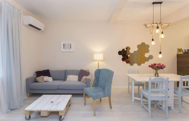 Graf Ignatiev Central Apartment