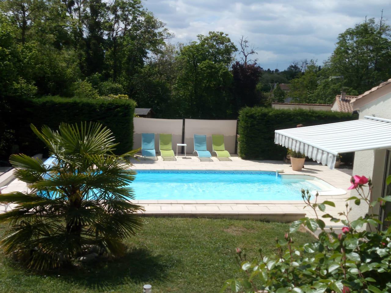 accès à la piscine 8mx4m