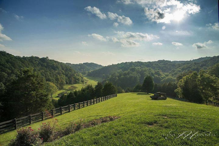 Beautiful views at Robinson Farms in Southwest Va. - Riner - Apartment