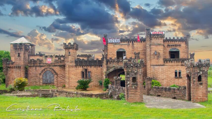 Viva a experiência de dormir num Castelo Medieval