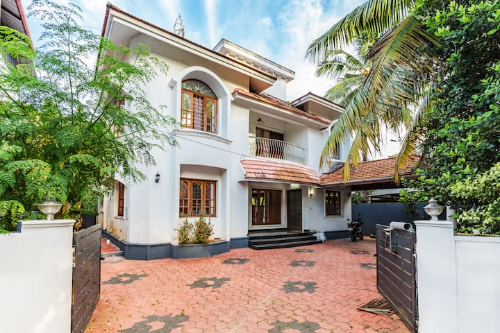 Bougainvillea Kochi -Beautiful Home Away From Home