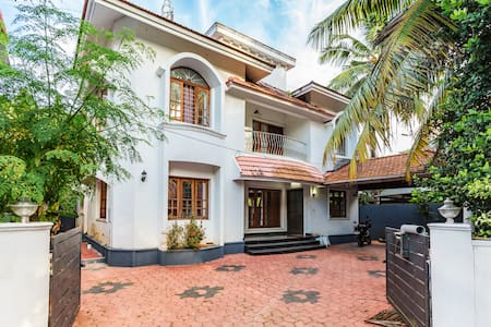 Beautiful Fully Furnished(Self Serve)Bunglow-Kochi - Kakkanad