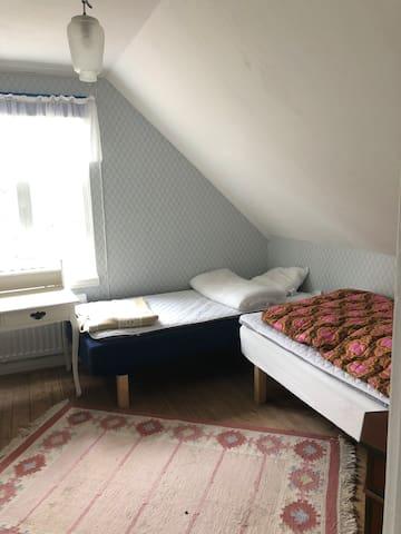 Sovrum 2 övervåningen