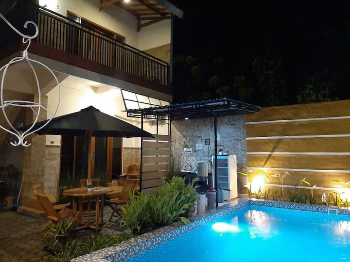 Indah Nusantara Homestay Deluxe Pool View