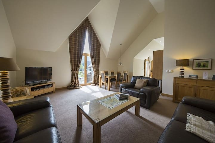 Mains of Taymouth, Kenmore, 5* 4 The Gallops, first floor apartment
