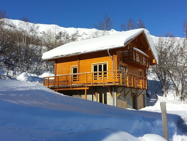 Beautiful and Traditional mountain chalet for 12 p