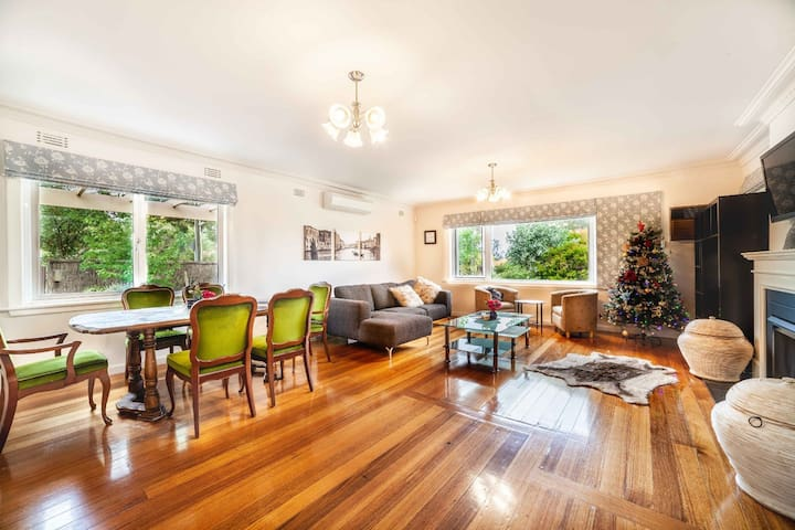 The Nest: Cosy secluded 3BR in picturesque gardens
