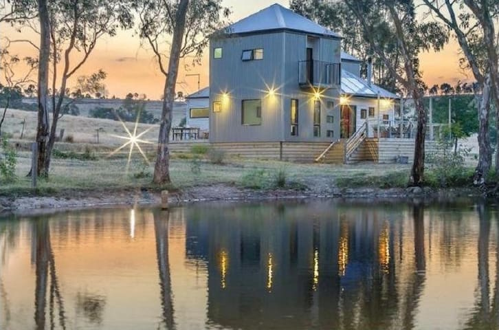 Whispering Gums - Organic Farm Retreat - Yandoit - House