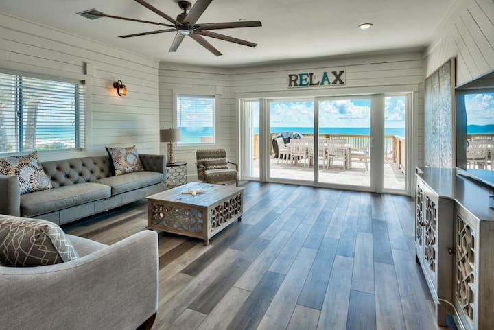 Silver Beach Retreat - Directly on the beach with Spectacular Views
