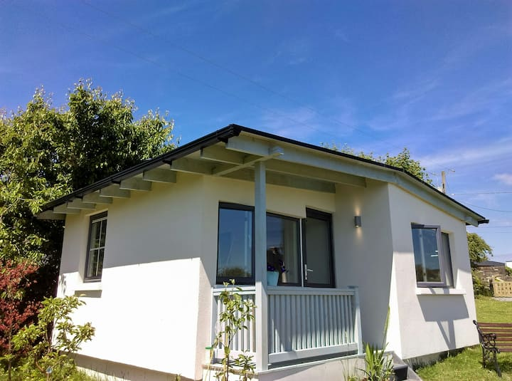Gum-tree View -self contained house-