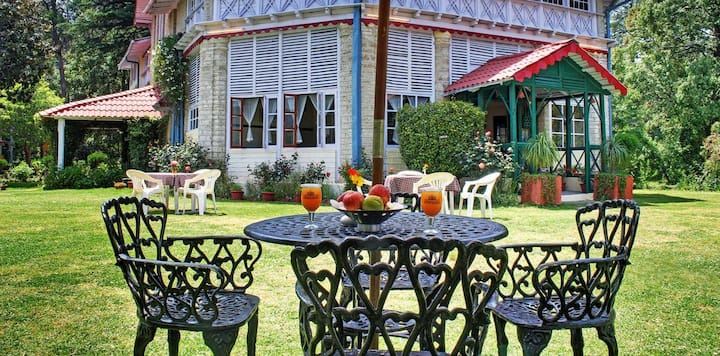 Deluxe Cottages Set Amidst the Natural Beauty of Ranikhet