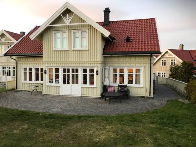 Familly friendly house with 4 bedrooms