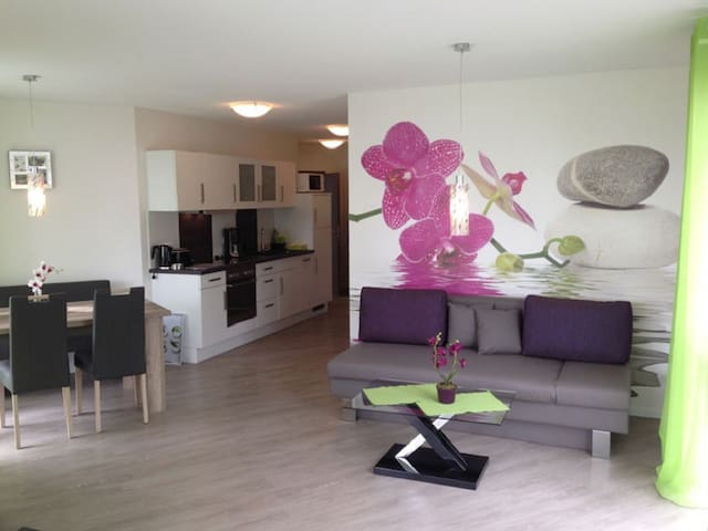 Gästehaus Bodenseeperle und Residence Flower Idyll, (Sipplingen), Ferienwohnung Orchidee, 62 qm, 1 Schlafzimmer, max. 4 Personen
