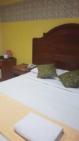 ARIAA MAYVIEW HOTEL(MAYVIEW GLORY HOTEL)