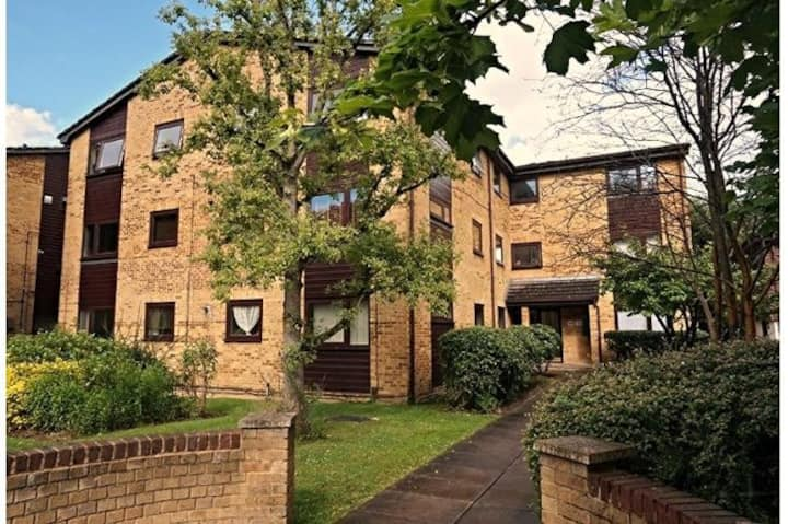 2 Bed Apartment near Crystal palace