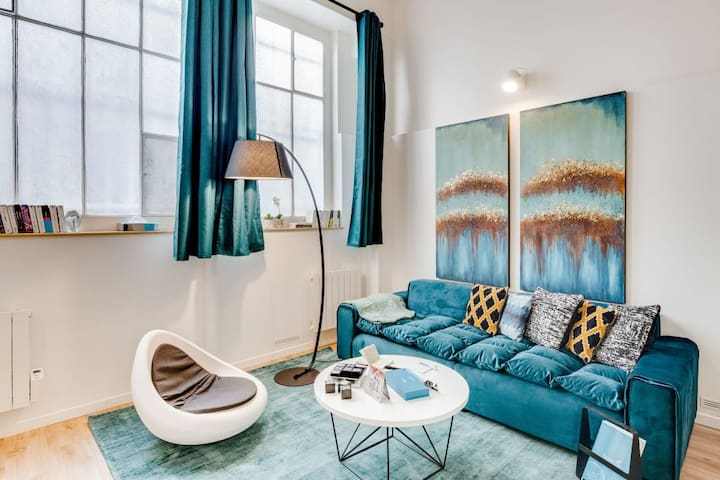 Chic & Spacious in Montmartre
