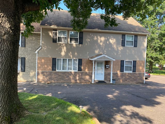 Clean & Comfy Apt. B - Two Bedroom of Vermont
