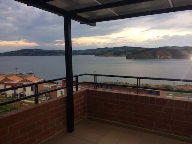 Calima Lake, Colombia. Majagua Villa Campestre.