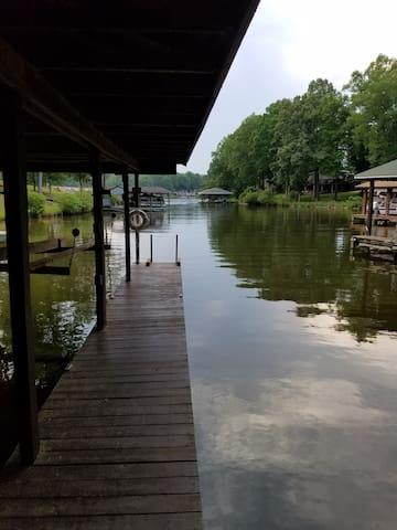 Lyric's Lair - Beautiful Lakefront on Lake Gaston
