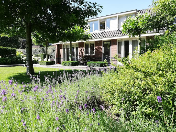 Sfeervol tuinhuisje met mooie tuin vlakbij Utrecht