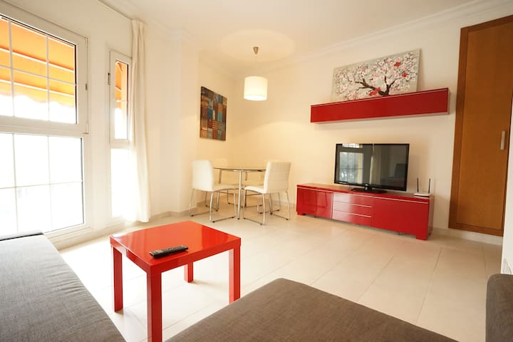 Wonderful & Bright Apartment! CATHEDRAL OLD TOWN!